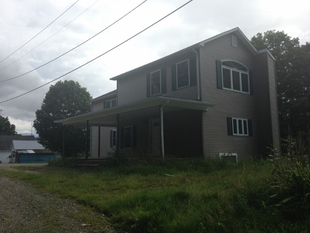 151 Old St, Albany, VT 05820