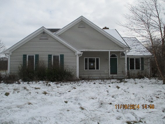 405 E 5th St, Carthage, IN 46115